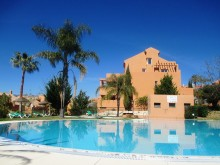 Large apartment in Elviria