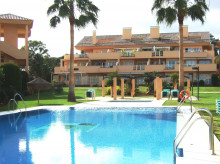 Large ground floor apartment in Elviria
